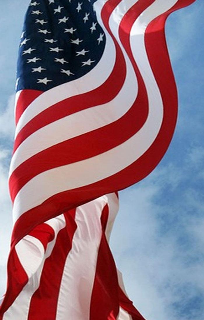 پرچم آویزان آمریکا